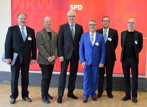 Jörg Schlüter, Stefan Zimkeit MdL, Garrelt Duin, Helmut Brodrick, Jan-Martin Frericks, Ulrich Breitbach.
