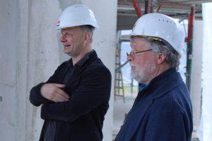 Stefan Zimkeit MdL und Schulleiter Hans-Ulrich Wangerin